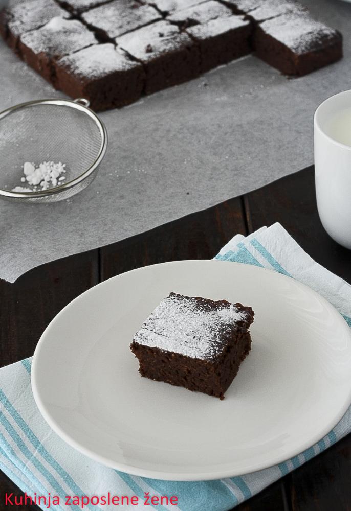 Čokoladni kolač sa leblebijom / Chickpea chocolate cake