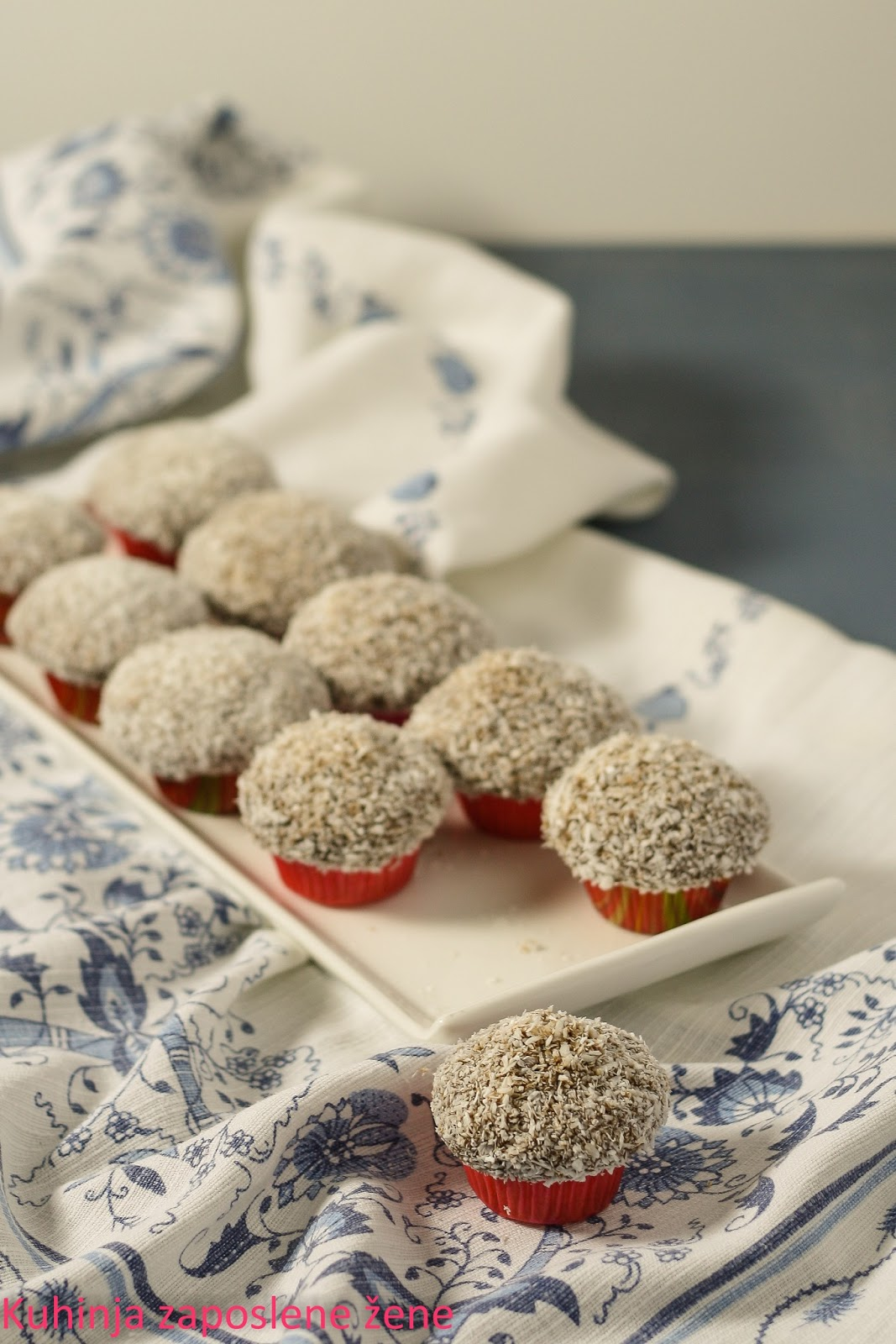 Mafin čupavci / Muffins with coconut frosting