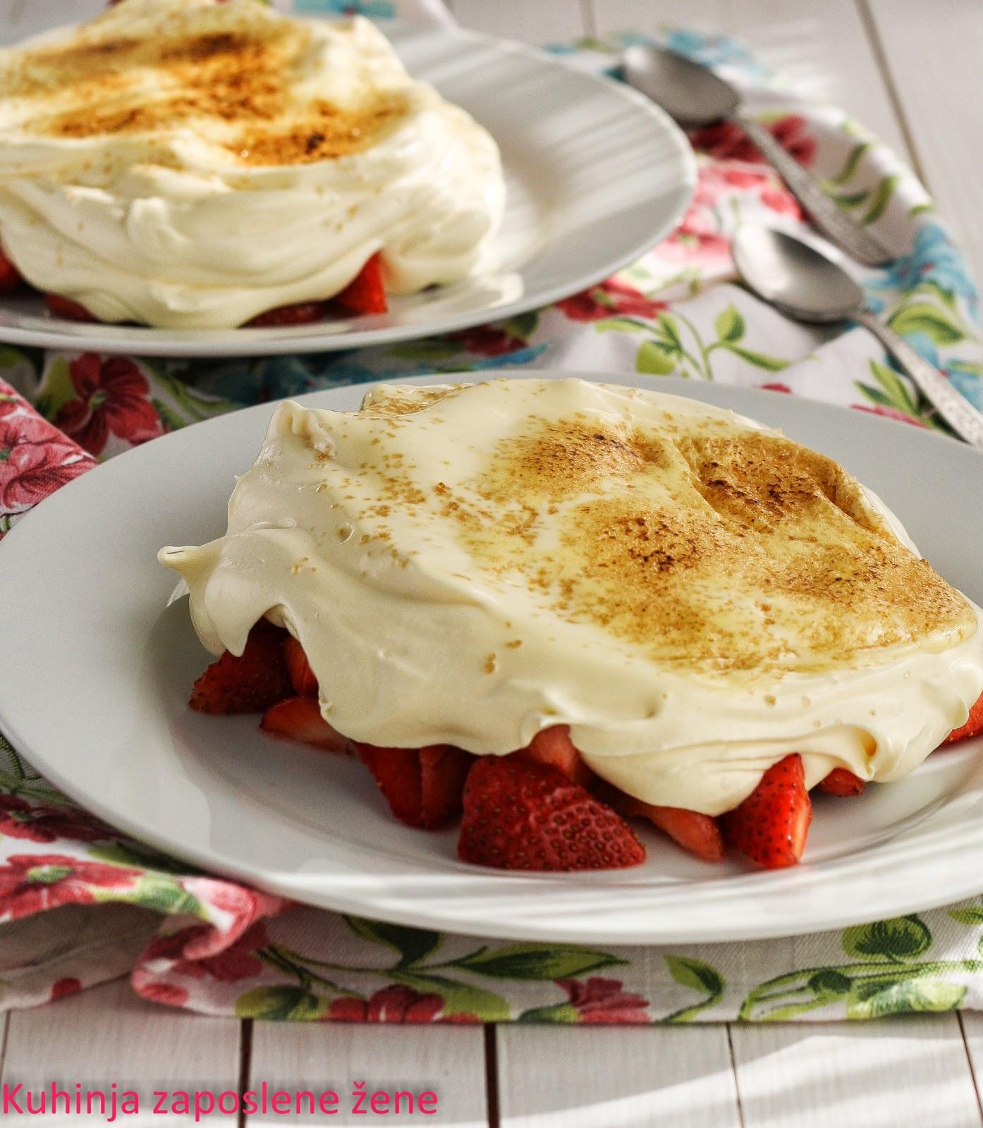 Gratinirane jagode /  Gratinated strawberries