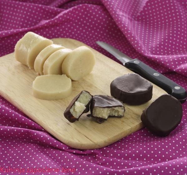 Domaći marcipan / Homemade marzipan
