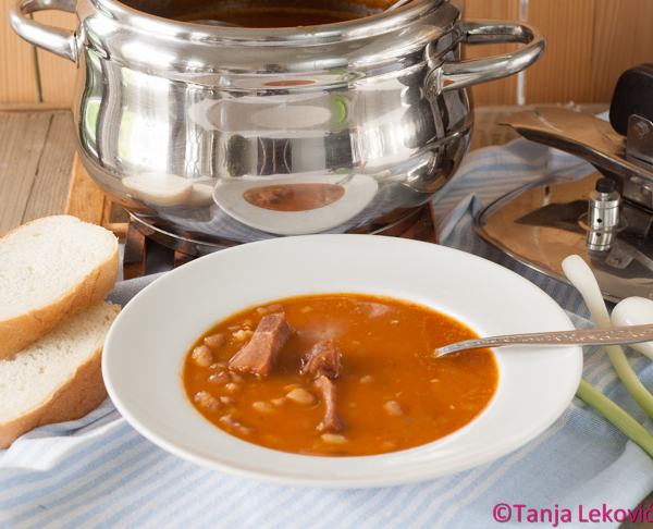Čorbast pasulj (iz ekspres lonca) / Domestic beans soup