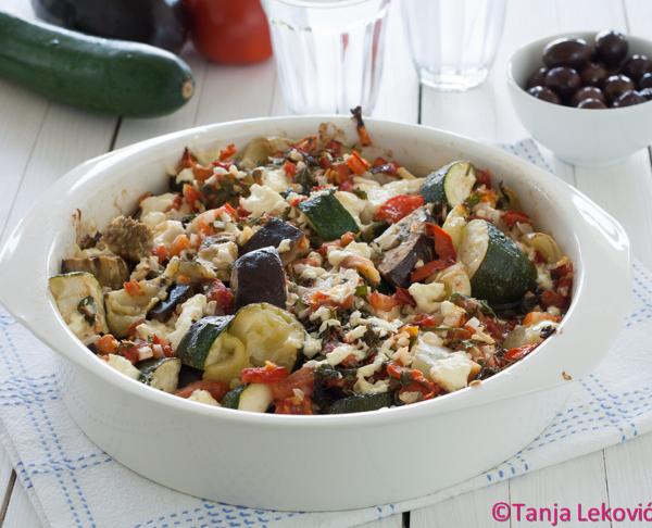 Briam – pečeno povrće na grčki način / Briam