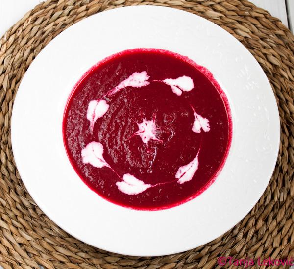 Boršč – čorba od cvekle / Borsch – beetroot soup