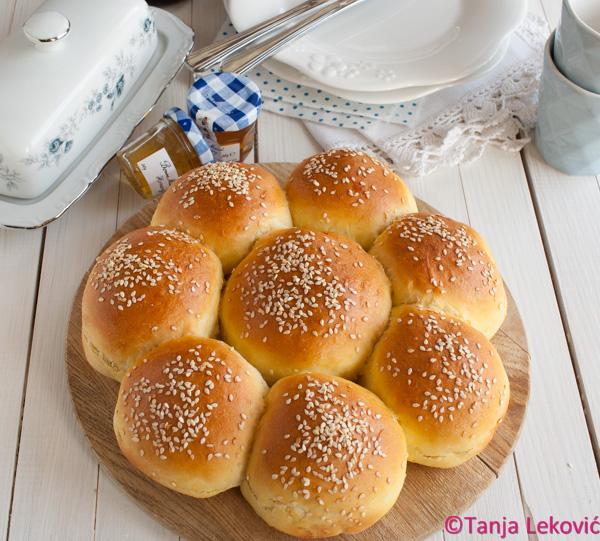 """""""Ruža"""" (zemička) pogača / Buns bread"""