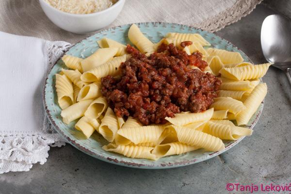 Sos od mlevenog mesa / Minced meat pasta sauce