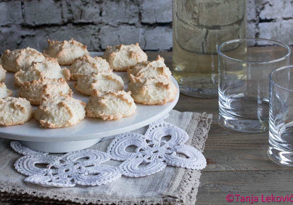 Kokos poljupci / Coconut macaroons