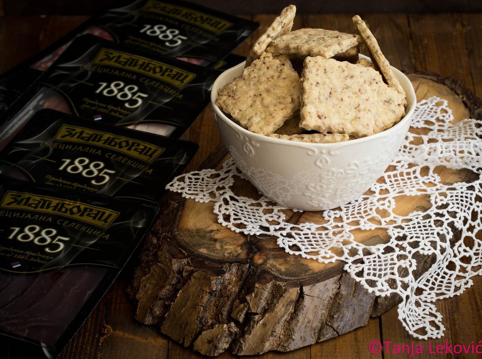 Krekeri sa pršutom / Crackers with prosciutto