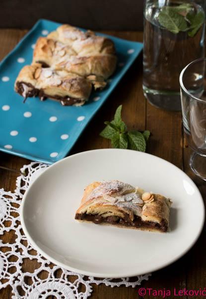Pletenica sa čokoladom / Puff pastry braid with chocolate