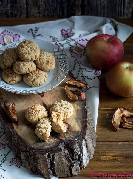 Keks sa suvim jabukama / Biscuits with dried apples