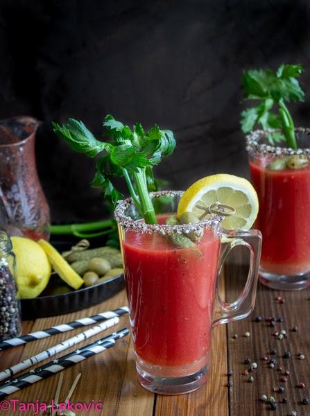 Bloody Mary (i paradajz sok za piće) / Bloody Mary (and homemade tomato juice)