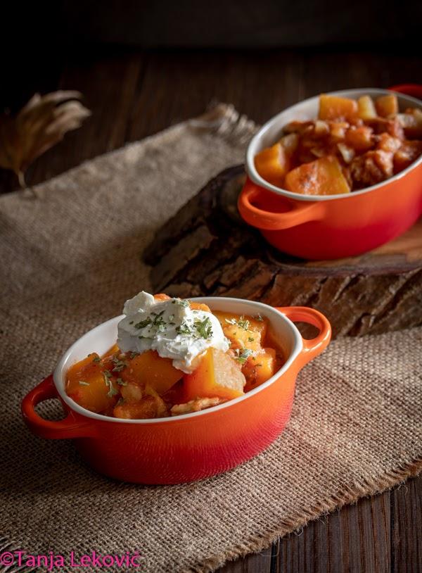 Paprikaš sa bundevom / Pumpkin stew