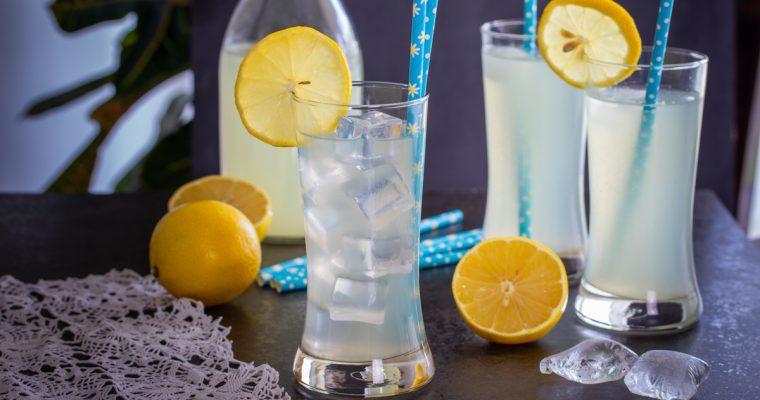 Domaći sok od limuna